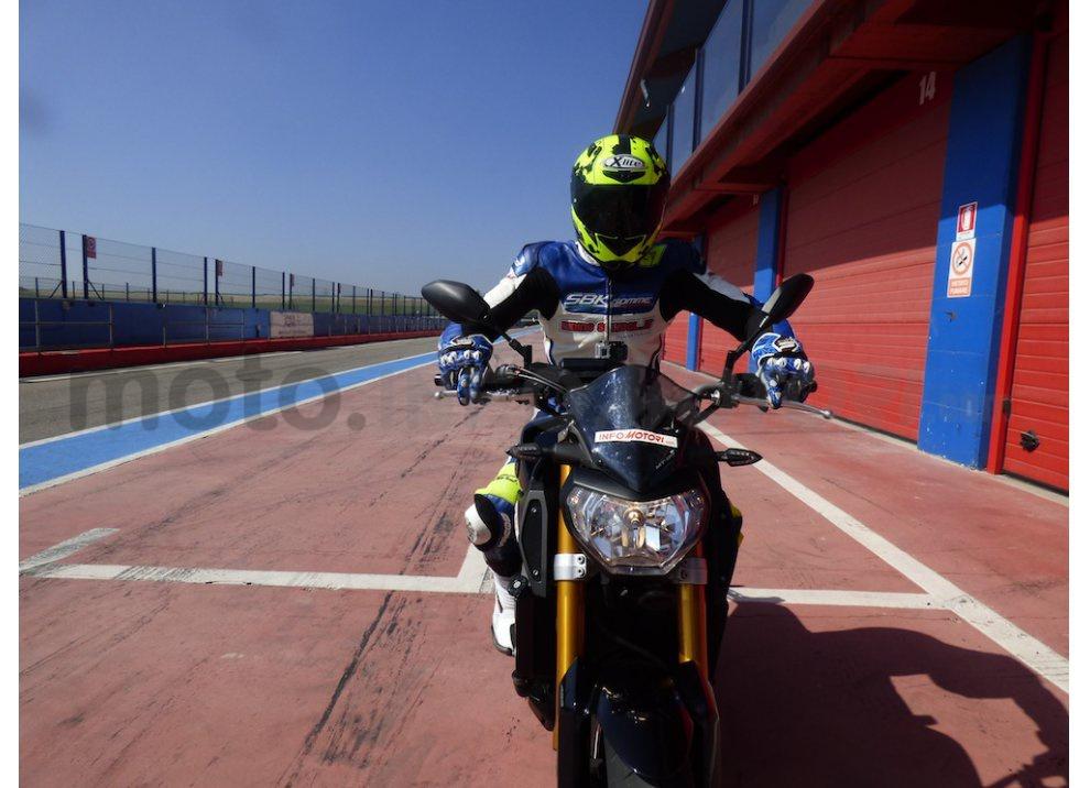 Yamaha MT-09: Test Ride in pista e su strada, la recensione - Foto 28 di 32