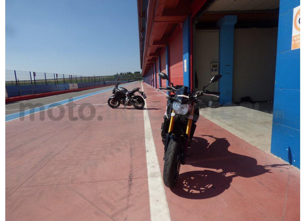 Yamaha MT-09: Test Ride in pista e su strada, la recensione - Foto 30 di 32
