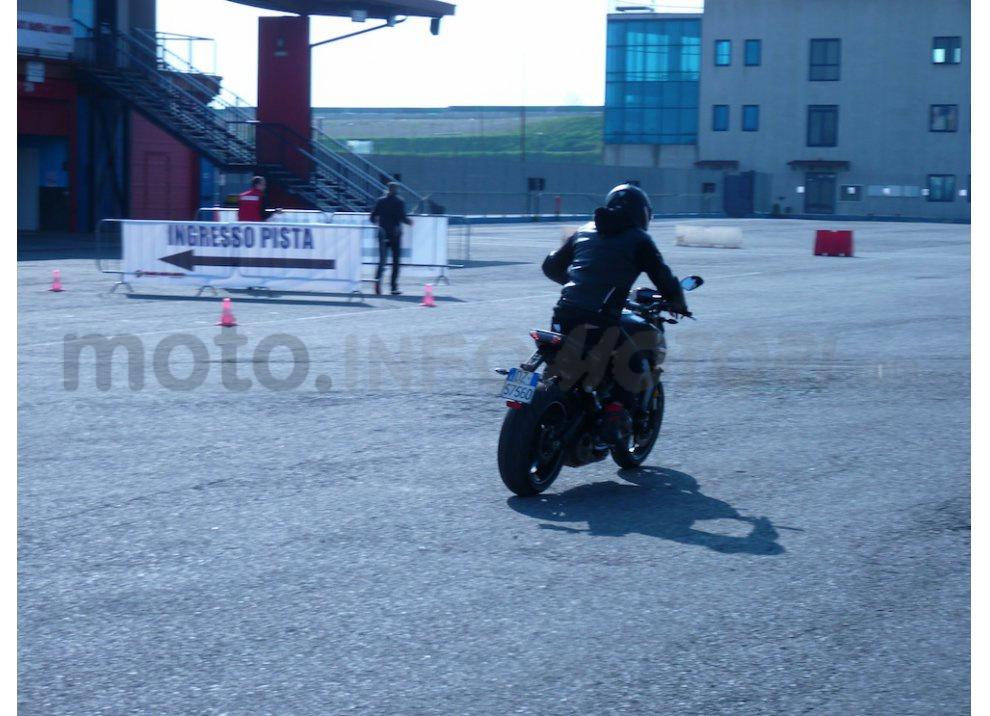 Yamaha MT-09: Test Ride in pista e su strada, la recensione - Foto 32 di 32