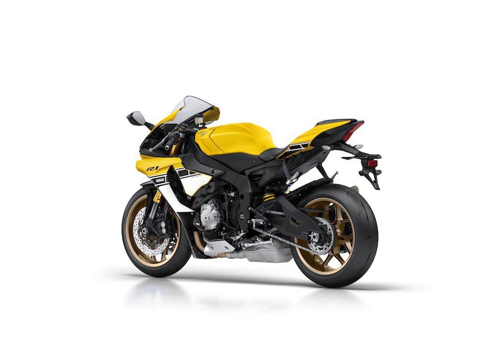 Yamaha R1 m.y. 2016 e la R1M nuovamente disponibile - Foto 24 di 31