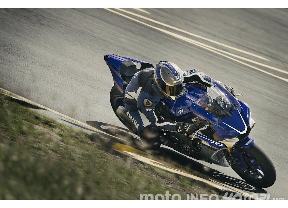 Yamaha R1 m.y. 2016 e la R1M nuovamente disponibile - Foto 15 di 31