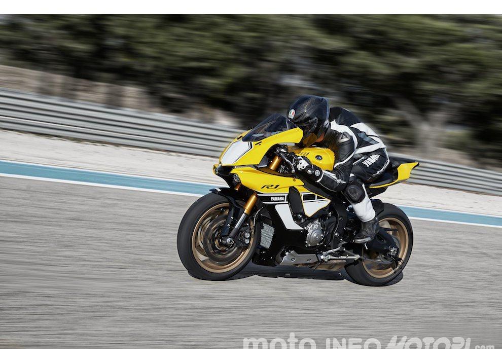 Yamaha R1 m.y. 2016 e la R1M nuovamente disponibile - Foto 13 di 31