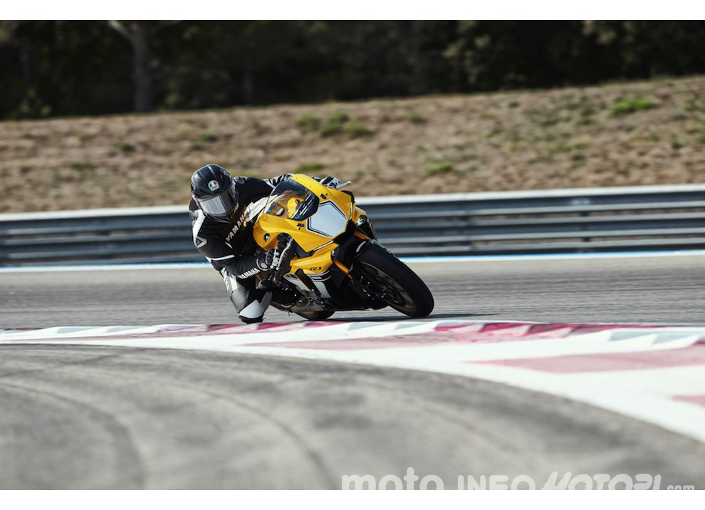 Yamaha R1 m.y. 2016 e la R1M nuovamente disponibile - Foto 2 di 31