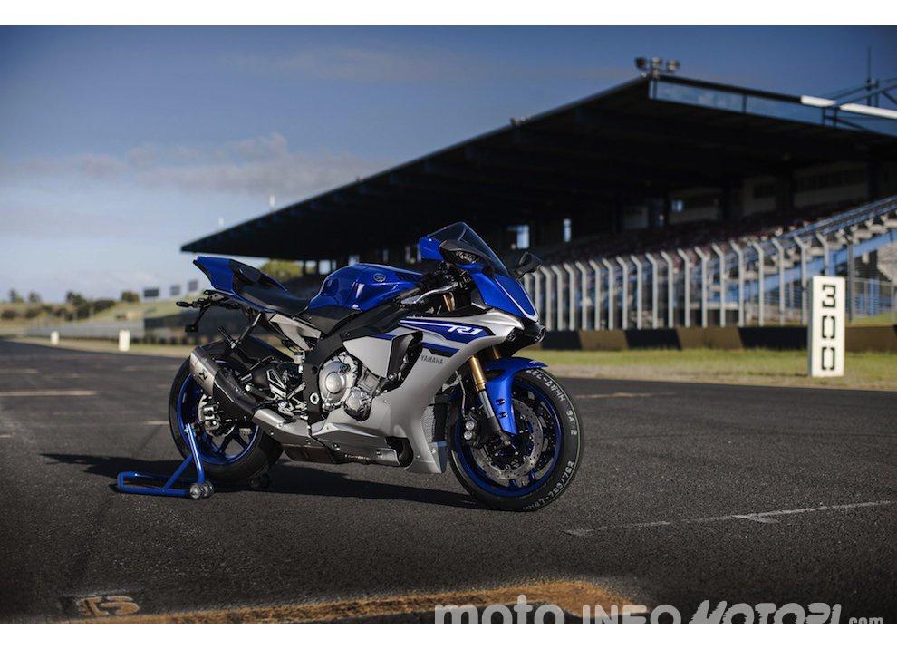 Yamaha R1 m.y. 2016 e la R1M nuovamente disponibile - Foto 12 di 31