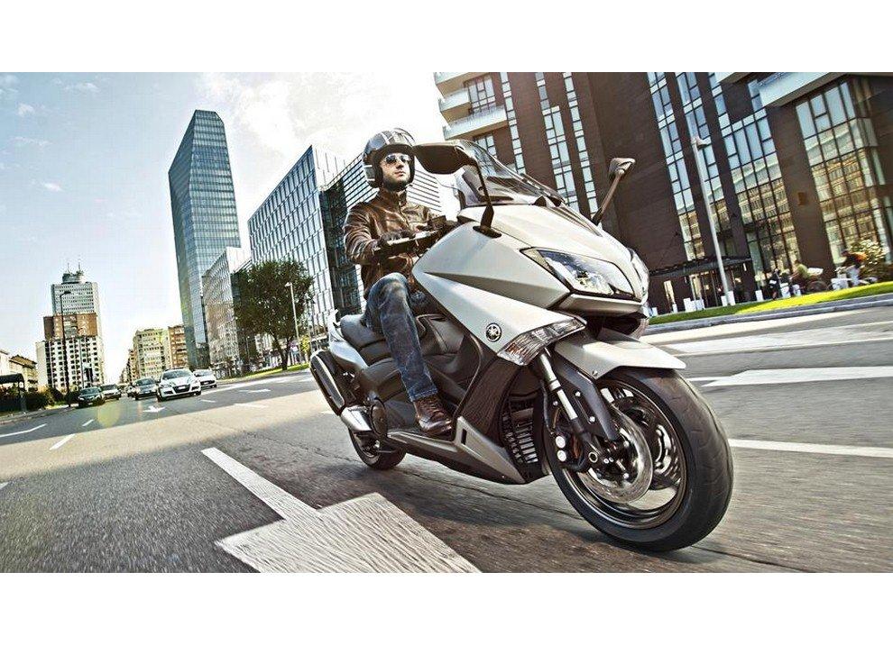 Yamaha T-Max 2015 - Foto 6 di 20
