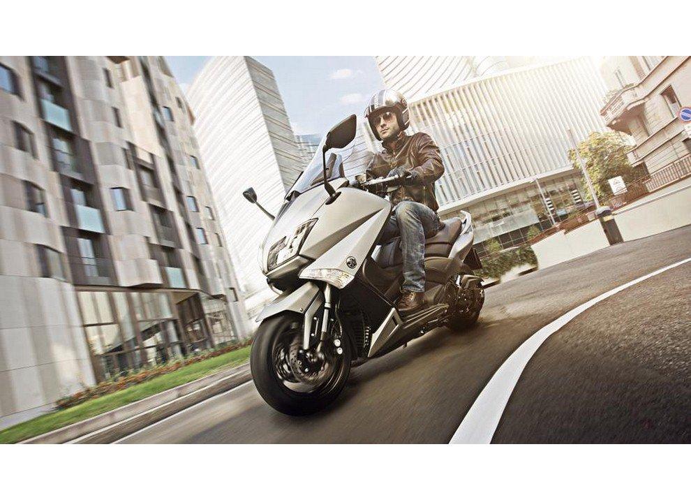 Yamaha T-Max 2015 - Foto 11 di 20