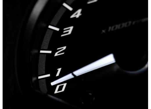 Yamaha XJ6, nuova versione SP e kit di depotenziamento per neopatentati - Foto 5 di 5