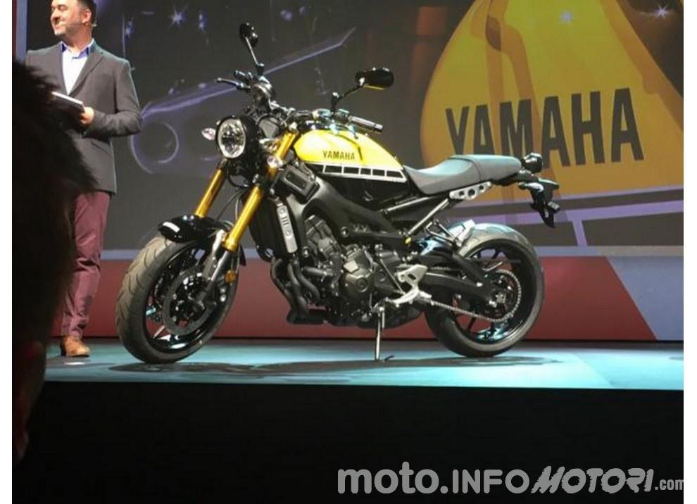Una Yamaha per Rossi: ma questa volta si tratta di Vasco - Foto 2 di 4