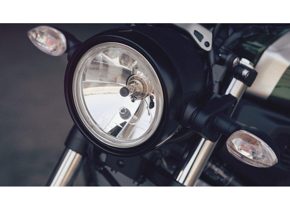 Yamaha XSR700 2016, I tre diapason sfidano Ducati - Foto 9 di 36