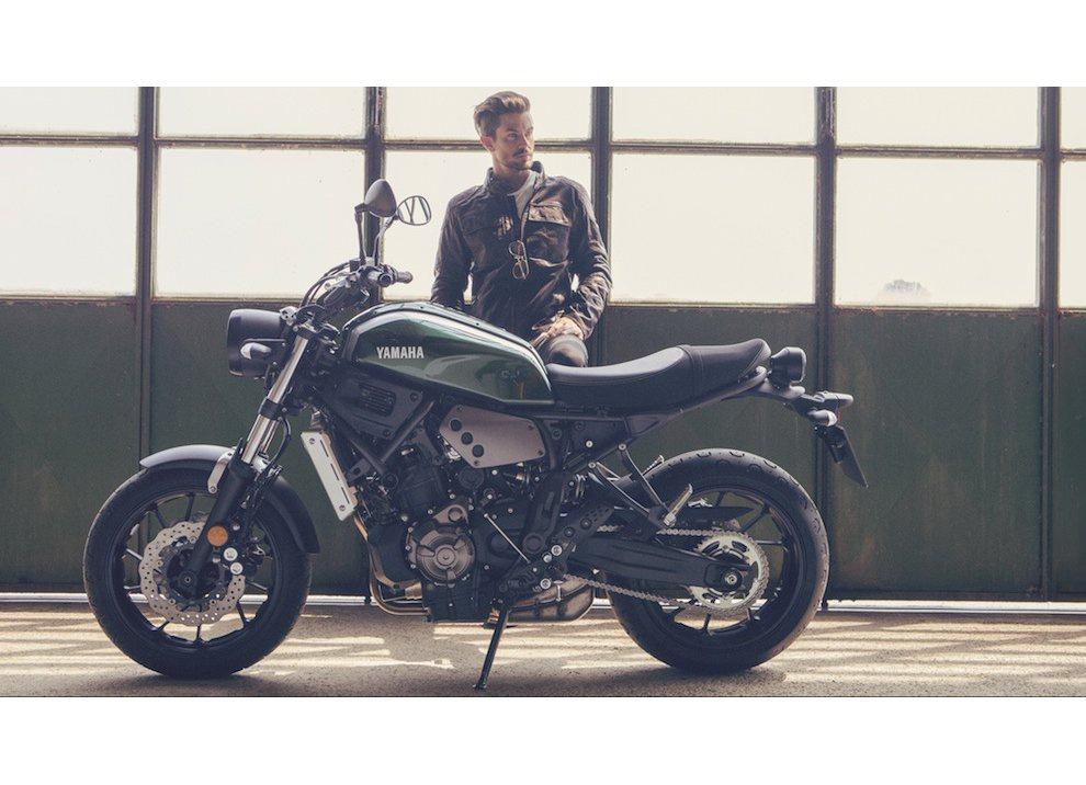 Yamaha XSR700 2016, I tre diapason sfidano Ducati - Foto 27 di 36