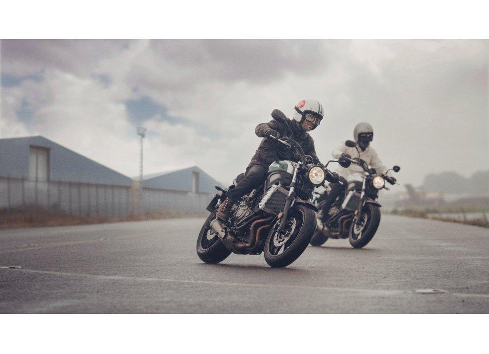 Yamaha XSR700 2016, I tre diapason sfidano Ducati - Foto 31 di 36