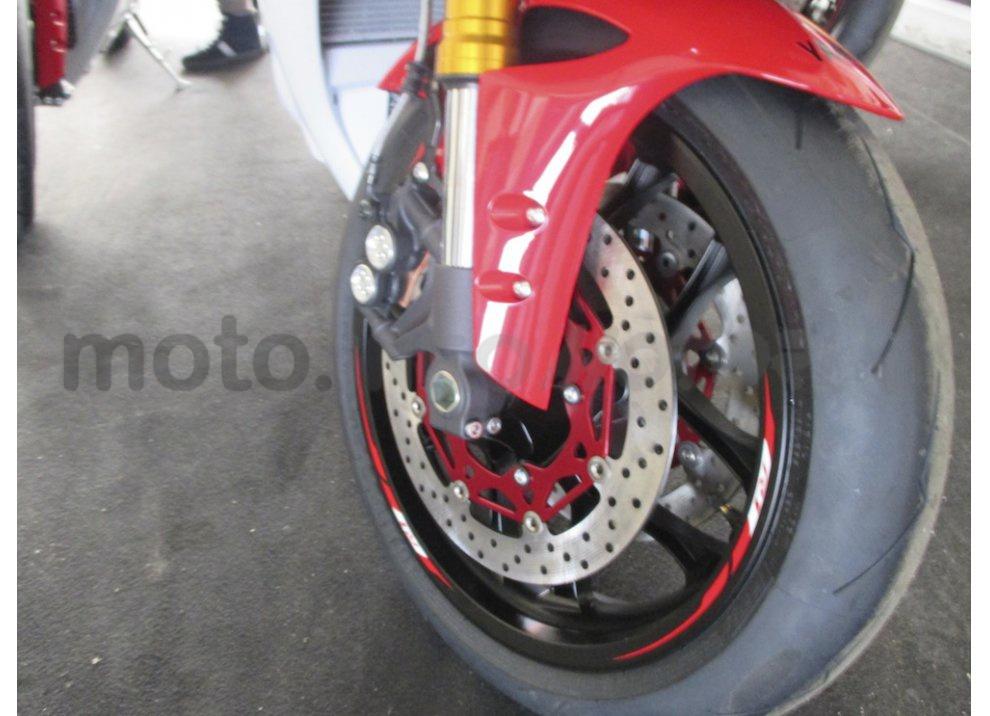 Yamaha YZF R1 2015: Test Ride in pista con Luca Pedersoli - Foto 15 di 51