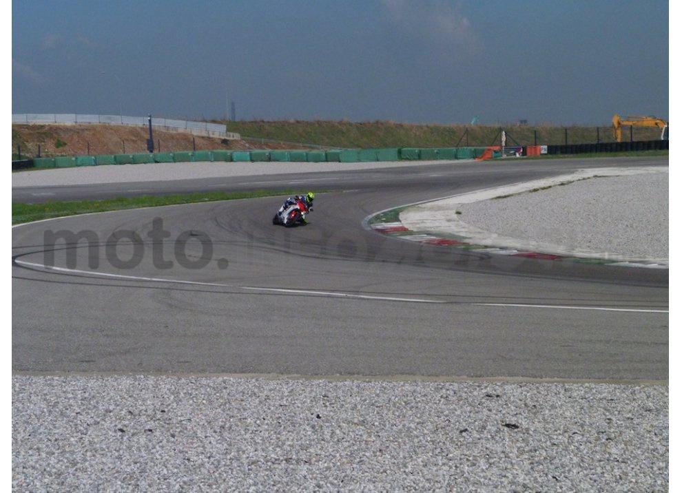 Yamaha YZF R1 2015: Test Ride in pista con Luca Pedersoli - Foto 31 di 51
