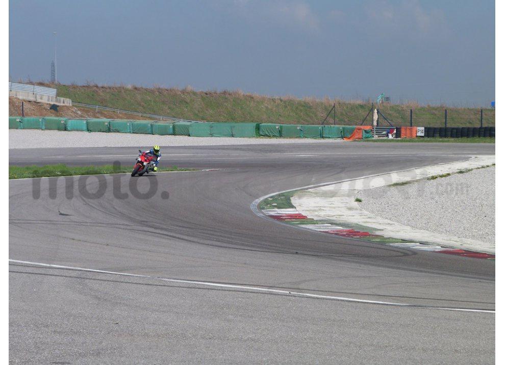 Yamaha YZF R1 2015: Test Ride in pista con Luca Pedersoli - Foto 38 di 51
