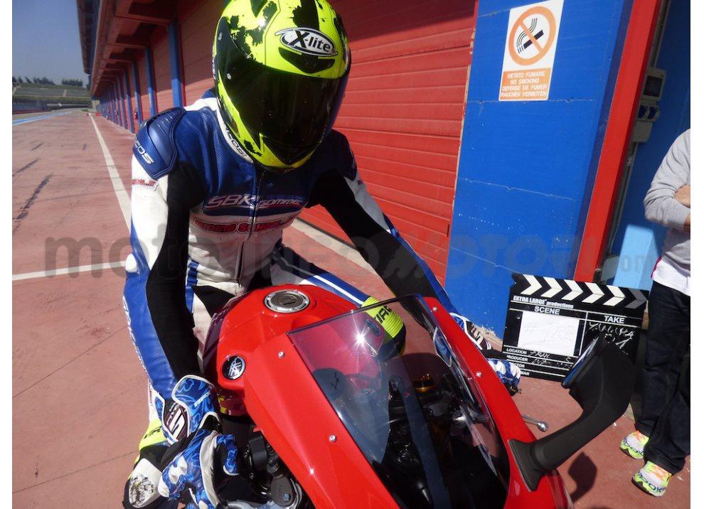 Yamaha YZF R1 2015: Test Ride in pista con Luca Pedersoli - Foto 26 di 51