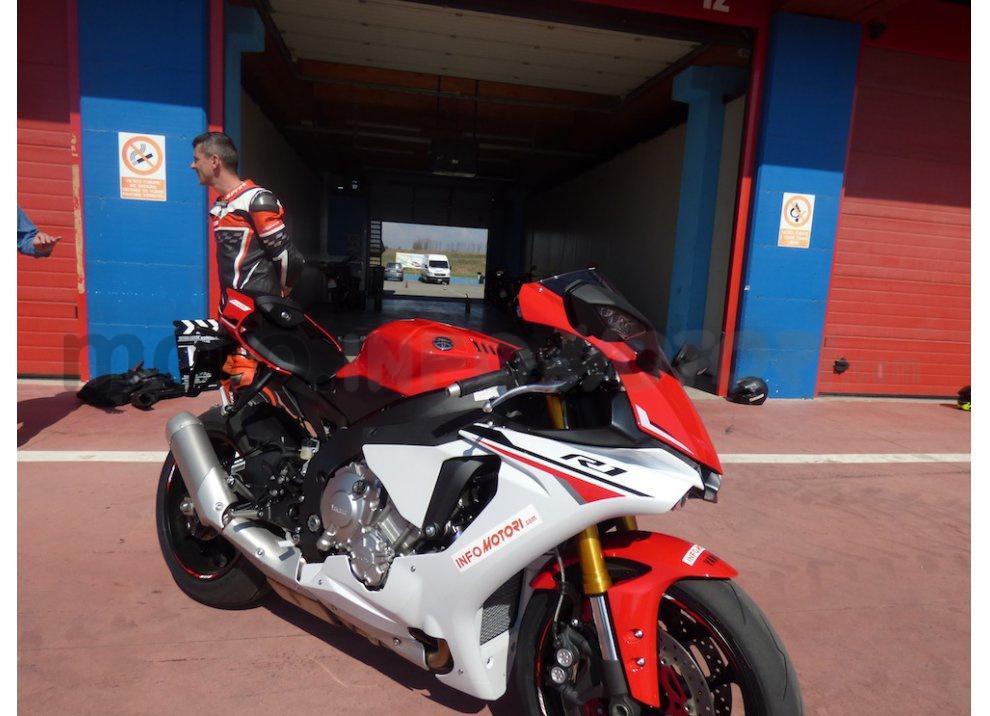 Yamaha YZF R1 2015: Test Ride in pista con Luca Pedersoli - Foto 51 di 51