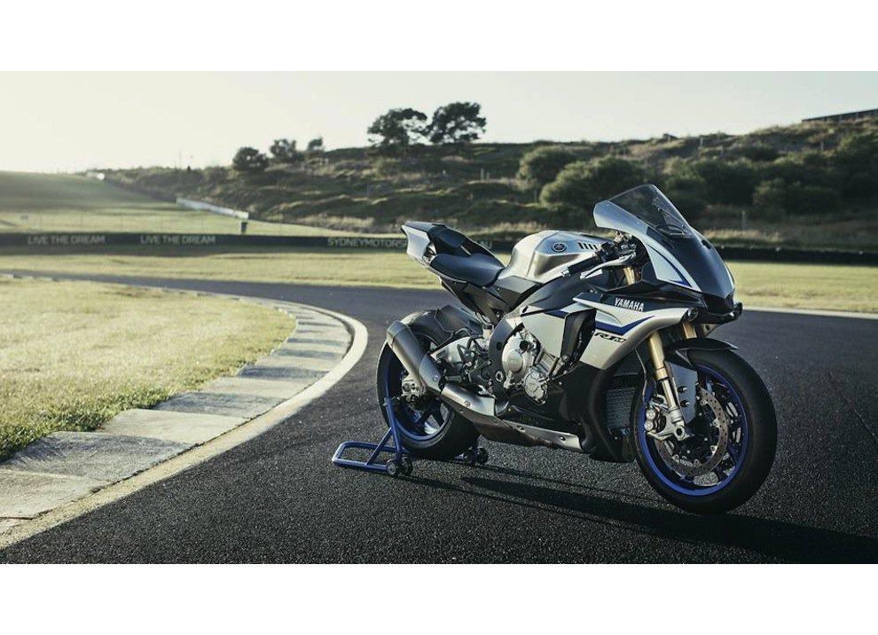 Yamaha YZF-R1M m.y. 2016, ora è disponibile - Foto 8 di 17