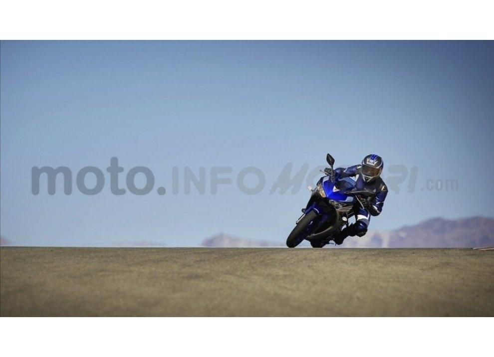 Yamaha YZF-R3, tra strada e pista con l'A2 - Foto 8 di 13
