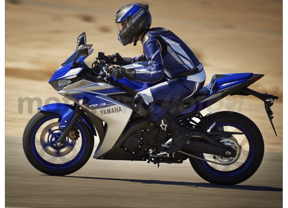 Yamaha YZF-R3, tra strada e pista con l'A2 - Foto 12 di 13