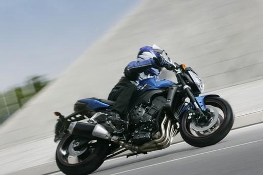 Yamaha FZ1 - Foto 2 di 14