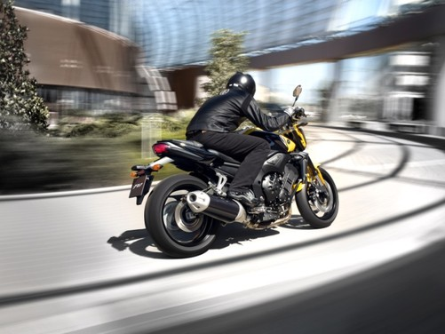 Yamaha FZ1 - Foto 10 di 14