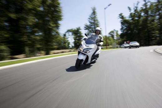 Yamaha Majesty 400, scooter da turismo secondo Yamaha - Foto 9 di 10