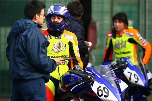 Yamaha R 125 Cup 2010 - Foto 11 di 28