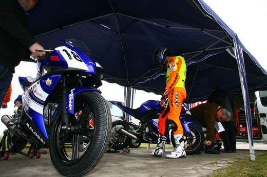 Yamaha R 125 Cup 2010 - Foto 17 di 28