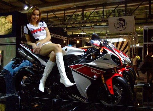 Yamaha YZF R1 WGP 50° Anniversario - Foto 1 di 18