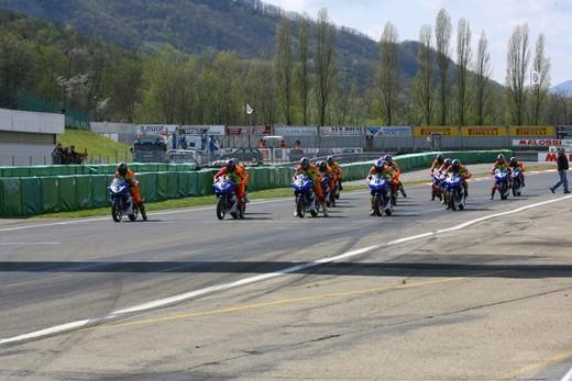Partita la Yamaha R125 Cup 2010 - Foto 23 di 31
