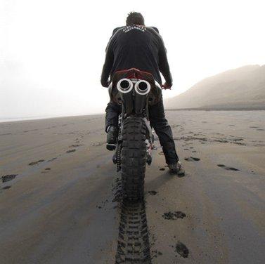 Ducati 999 Beach Racer: una superbike diventa una off-road da spiaggia - Foto 12 di 12