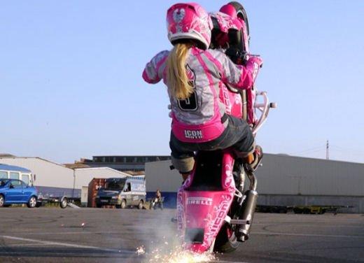 Le donne in moto più brave degli uomini - Foto 8 di 17