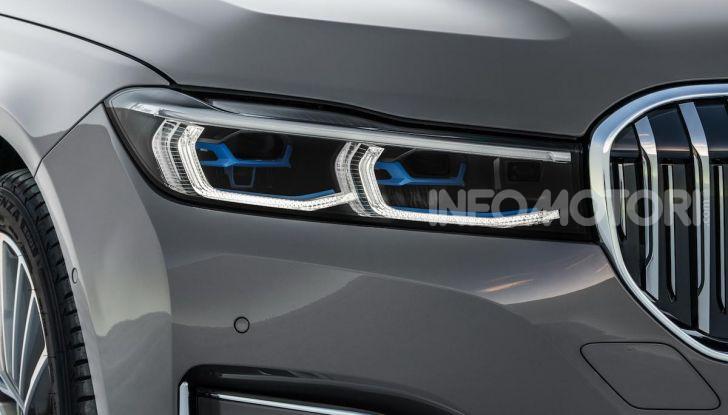Nuova BMW Serie 7 2019: un restyling imperioso per l'ammiraglia tedesca - Foto 15 di 21