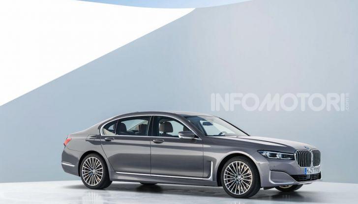 Nuova BMW Serie 7 2019: un restyling imperioso per l'ammiraglia tedesca - Foto 20 di 21