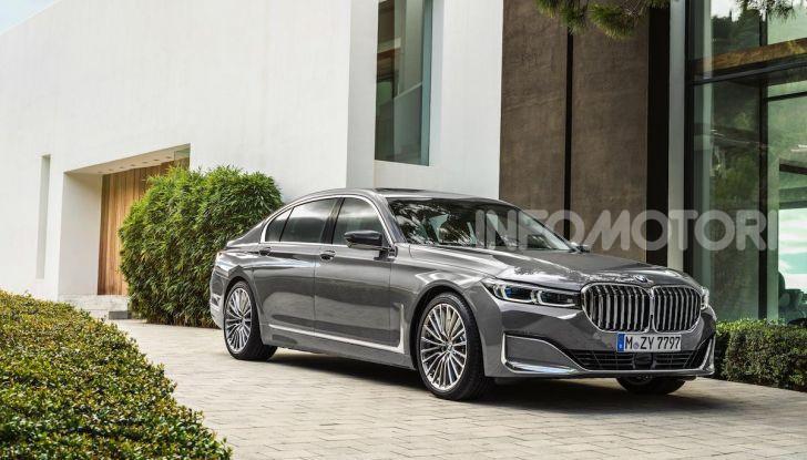 Nuova BMW Serie 7 2019: un restyling imperioso per l'ammiraglia tedesca - Foto 8 di 21