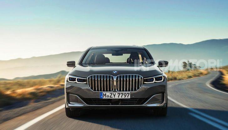 Nuova BMW Serie 7 2019: un restyling imperioso per l'ammiraglia tedesca - Foto 6 di 21