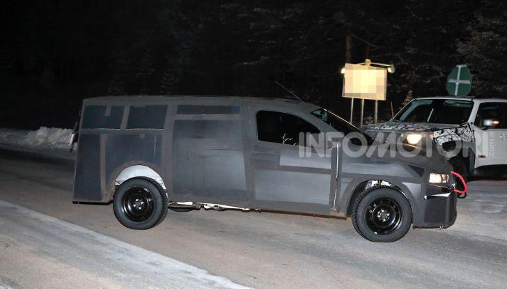 Nuovo pick-up Fiat, mix tra Mobi e Toro - Foto 4 di 11