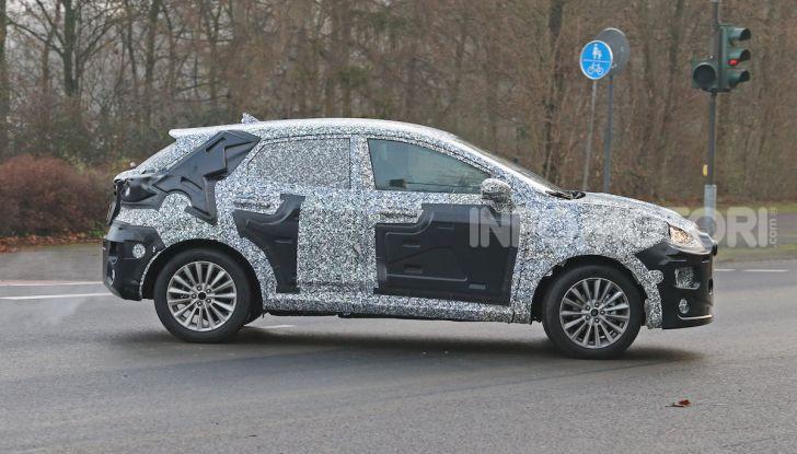 Il nuovo SUV di Ford su base Fiesta per il 2020 - Foto 10 di 16