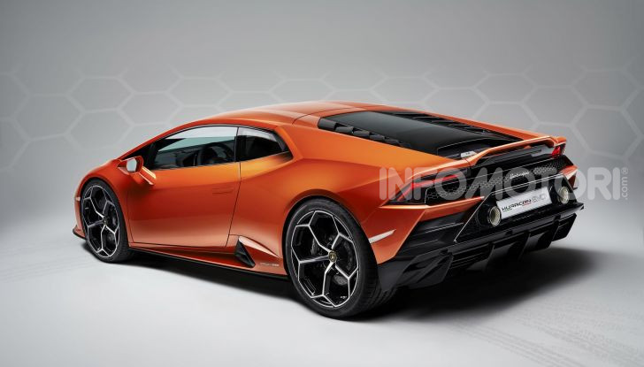 Lamborghini Huracán Evo - Foto 15 di 16