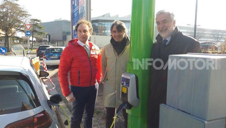 Electrify Verona, installati i primi pali in Europa per la ricarica veloce - Foto 3 di 3