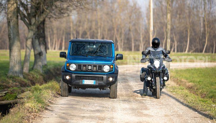 Suzuki Jimny VS V-Strom 1000 XT: il DNA dell'avventura - Foto 5 di 11