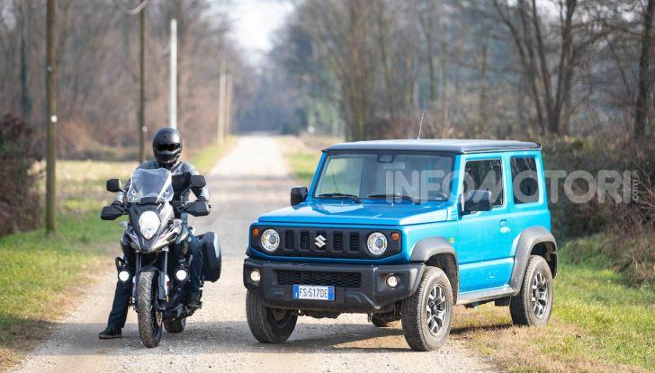 Suzuki Jimny VS V-Strom 1000 XT: il DNA dell'avventura - Foto 1 di 11