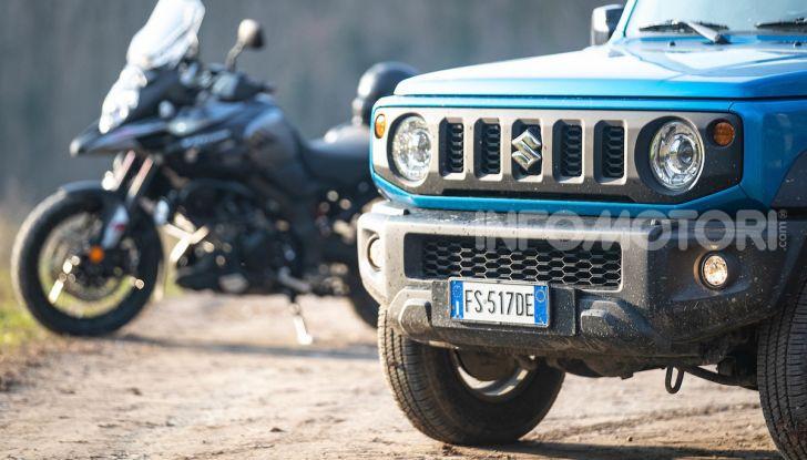 Suzuki Jimny VS V-Strom 1000 XT: il DNA dell'avventura - Foto 9 di 11