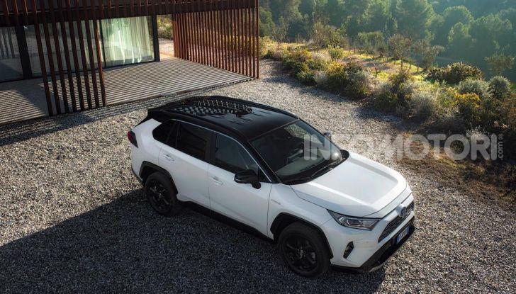 Prova Toyota RAV4 Hybrid 2019: il SUV ecologico per andare ovunque - Foto 15 di 64