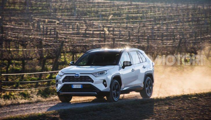 Prova Toyota RAV4 Hybrid 2019: il SUV ecologico per andare ovunque - Foto 1 di 64