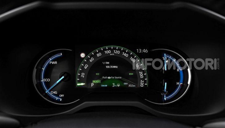 Prova Toyota RAV4 Hybrid 2019: il SUV ecologico per andare ovunque - Foto 47 di 64