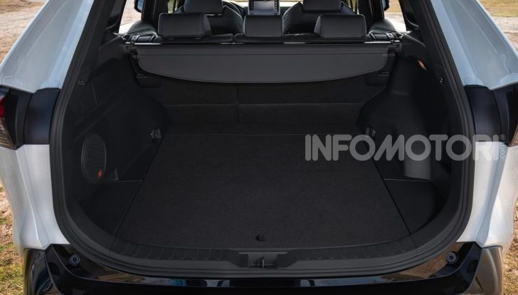 Prova Toyota RAV4 Hybrid 2019: il SUV ecologico per andare ovunque - Foto 48 di 64