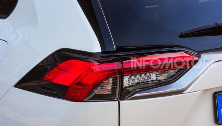 Prova Toyota RAV4 Hybrid 2019: il SUV ecologico per andare ovunque - Foto 61 di 64