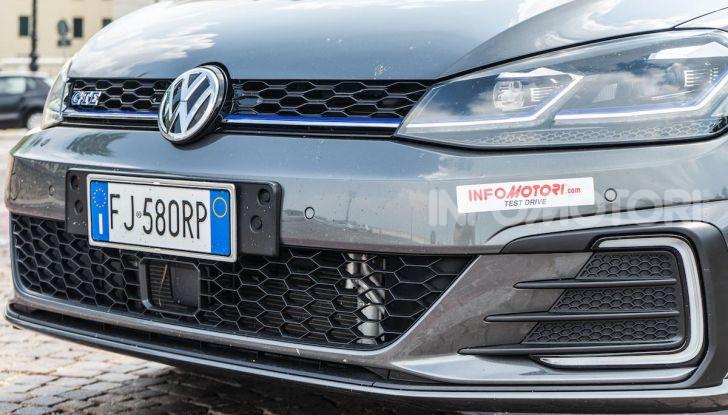 Volkswagen Golf GTE: prova su strada dell'ibrido plug-in da 204CV - Foto 9 di 33