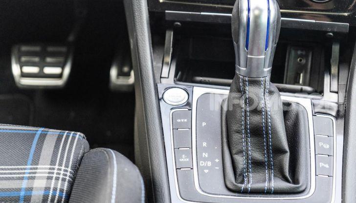Volkswagen Golf GTE: prova su strada dell'ibrido plug-in da 204CV - Foto 15 di 33